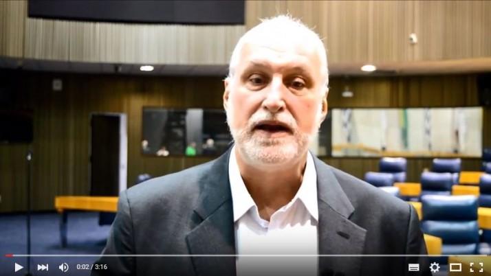 Vídeo: Direto do Plenário sobre a apresentação sobre a Crise da Água