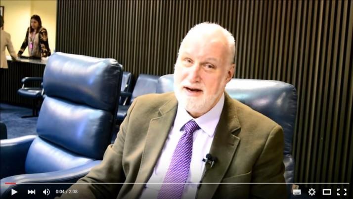 Vídeo: Direto do Plenário sobre Lei dos Estacionamentos
